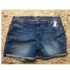 Old Navy Curvy Profile Rolled Cuff Jean Shorts-20